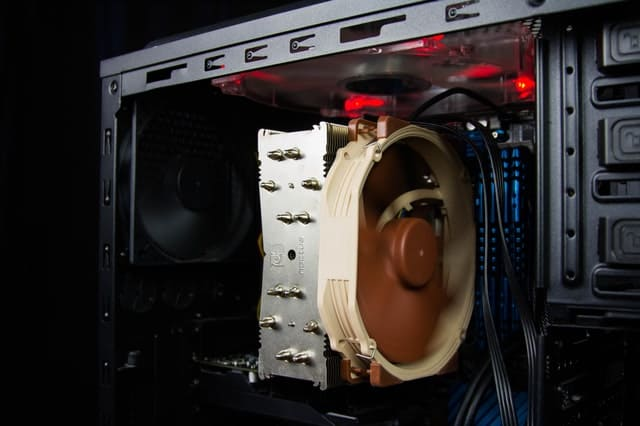 Komputer się włącza ale system nie startuje - co robić?